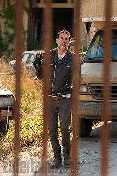 'The Walking Dead': Rei Ezekiel, Negan e outros personagens em novas fotos…