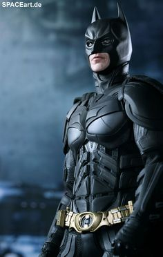 Batman - The Dark Knight Rises: Batman, Voll bewegliche Deluxe-Figur ... http://spaceart.de/produkte/bm011.php