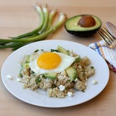 Fried Egg, Avocado and Feta Quinoa // Quick and delicious dinner in twenty minutes!