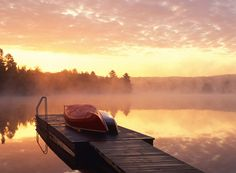 At sunrise there is lightness and mist as the world wakes. Lush Canada, Weekend Workout, Back To Nature, Archipelago, Mists, Life Is Good, Sunrise, Beautiful Pictures, Cottage