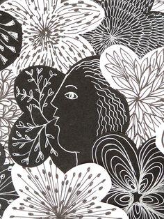 """Une photo prise dans la galerie L'Ecurie de l'hôtel de Guines, à Arras, lors de l'exposition """"Accords majeurs"""" du collectif Artzimut. Se mêlaient dans cette galerie des oeuvres de Sophie Huet (meubles, objets) et de Hafem (bandes, panneaux, plaques). Les Oeuvres, Photos, Sign, Radiation Exposure, Furniture, Objects, Paper, Pictures"""