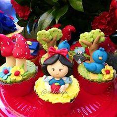 Cupcakes e pirulito ♡