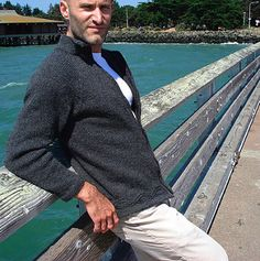 Avast by Jesse Loesberg ~ a FREE pattern download.  Worsted 10ply ~ bottom up knit and features a zip