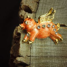 Flying Piggy Brooch antique vintage styled, bridesmaid, rhinestone diamante, wedding, mothers gift, men lapel, enamel, hijab #5114 by Craft365com on Etsy https://www.etsy.com/listing/230334914/flying-piggy-brooch-antique-vintage