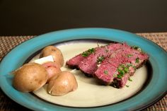 How to Cook Corned Beef in an Oven (with Pictures) Oven Roasted Corned Beef, Crock Pot Corned Beef, Homemade Corned Beef, Cooking Corned Beef, Cooking A Roast, Corned Beef Recipes, Pork Recipes, Yummy Recipes, Beef Brisket Oven