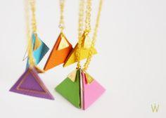 Kette Gold mit Lederanhänger Dreieck