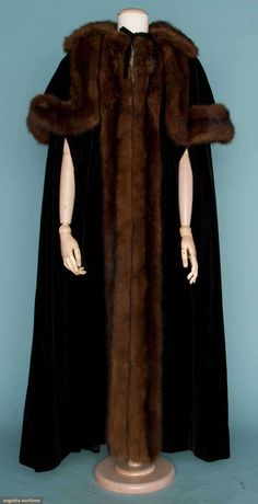 Augusta Auctions, November 14, 2012 NEW YORK CITY, Lot 90: Mainbocher Formal Evening Cape, 1950