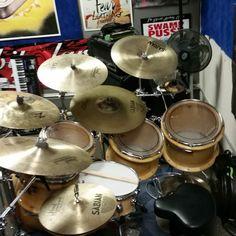 Having too much fun at rehearsal! #inknbeats #rehearsal #peavey #peaveydrums #maple #customdrums #brass #drums #drumming #drummer #drumdealer #remo #sabian #vicfirth #zildjian #drumporn #iamadrumwarrior #cymbaladdict #drumjunkie #cymbalporn #drumdork #custom #ifuckinglovedrums #drumsdrumsdrums @peaveyhollywood by inknbeats