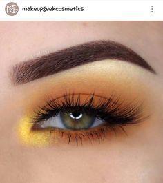 Golden summery eye makeup look