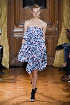 Viktor & Rolf SS15 Paris Fashion Week | Spring/Summer | MiNDFOOD