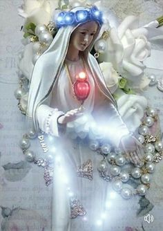 Jesus Mother, Blessed Mother Mary, Blessed Virgin Mary, Pictures Of Jesus Christ, Religious Pictures, Praying The Rosary, Holy Rosary, Hail Holy Queen, Good Night Prayer