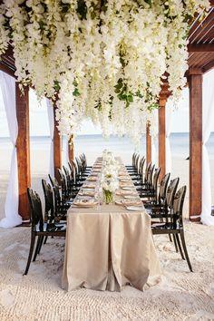 Cancun: O Lugar Perfeito Para Seu Destination Wedding! Fall Wedding Gowns, Classic Wedding Gowns, Elegant Wedding Dress, Elegant Dresses, Cancun Wedding, Destination Wedding, Wedding Venues, Wedding Ideas, Garden Wedding