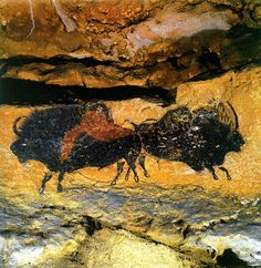 The cave of Lascaux is a system of caves in Dordogne (France) where they have discovered significant samples of the cave and paleolithic art, dated or years ago (Magdalenian period). Cave Paintings France, Lascaux Cave Paintings, Wall Paintings, Painting Art, Ancient History, Art History, European History, Ancient Aliens, American History