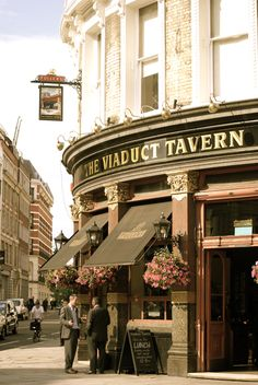 London pub crawl: Viaduct Tavern
