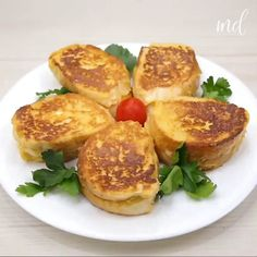 Egg And Bread Recipes, Egg Recipes For Breakfast, Homemade Breakfast, Brunch Recipes, Tasty Videos, Food Videos, Food Dishes, Food And Drink, Cooking Recipes