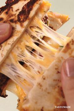 Mexican Food Recipes, Beef Recipes, Cheesy Recipes, Vegetarian Recipes, Cooking Recipes, Tiny Food, Flour Tortillas, Aesthetic Food, Miniature Food