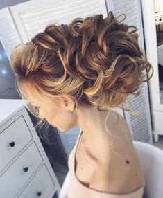 cool 46 Stunning Bridal Updos Ideas To Makes You Look Beautiful And Elegant  http://viscawedding.com/2018/04/27/46-stunning-bridal-updos-ideas-makes-look-beautiful-elegant/