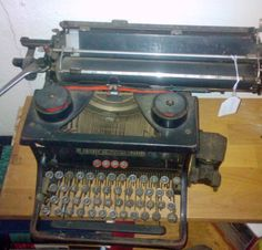 Urania#Schreibmaschine