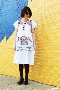 Como La Flor Mexican Dress in White