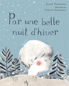Dans cette charmante berceuse, un parent peint le tableau d'une belle nuit nordique pour son enfant endormi, décrivant la beauté des flocons de neige, le scintillement des étoiles, la danse des cristaux de givre sur la fenêtre... Ce poème lyrique de Jean E. Pendziwol décrivant la beauté des nuits nordiques est une façon magnifique de la partager avec son enfant. Les illustrations extraordinaires d'Isabelle Arsenault rendent hommage à ce magnifique poème.