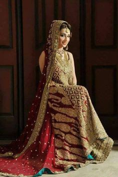 New bridal dresses 2017 indian 21 Ideas Golden Bridal Lehenga, Pakistani Bridal Dresses, Indian Bridal, Indian Dresses, Latest Bridal Dresses, Bridal Outfits, Wedding Dresses, Baby Dresses, Wedding Wear