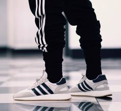 JustLifeStyle shared a photo from Flipboard New York Fashion, Mens Fashion, Runway Fashion, Adidas Iniki Runner, Swag, Sneaker Brands, Sock Shoes, Adidas Sneakers, Shoes Sneakers