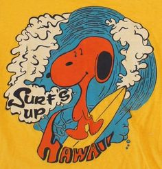 Vintage Peanuts Snoopy T-Shirt Surf's UP Hawaii