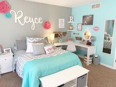 Girls Room Decor Ideas to Change The Feel of The Room Here are 31 girls room decor ideas ideas for teenage girls' rooms. Teenage girls' room decorating ideas generally differ from those of boys. - Girls bedroom ideas for small rooms Teenage Girl Bedroom Decor, Cute Bedroom Ideas, Room Ideas Bedroom, Small Room Bedroom, Teal Teen Bedrooms, Preteen Girls Rooms, Girls Bedroom Ideas Teenagers, Bedroom Girls, Teen Bedroom Colors