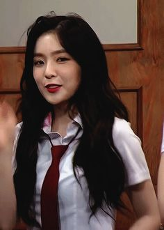 oh wow Fuente: leaderirene wow :( really killing the game :( the best she's so gorg she's so beautiful this is insane i love her fave Seulgi, Kpop Girl Groups, Kpop Girls, Oppa Gangnam Style, Aesthetic People, Red Velvet Irene, Most Beautiful Faces, Velvet Fashion, Cute Asian Girls