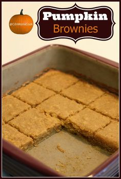Pumpkin Brownies! A fall inspired twist on your classic chocolate brownie. Fall Desserts, No Bake Desserts, Delicious Desserts, Dessert Recipes, Bar Recipes, Blondie Brownies, Brownie Cookies, Cake Cookies, Cupcakes
