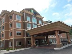Hazard (KY) Holiday Inn Express and Suites Hazard United States, North America Located in Hazard, Holiday Inn Express and Suites Hazard is a perfect starting point from which to explore Hazard (KY). The hotel has everything you need for a comfortable stay. Free Wi-Fi in all rooms, 24-hour front desk, luggage storage, business center, shops are there for guest's enjoyment. Guestrooms are fitted with all the amenities you need for a good night's sleep. In some of the rooms, gues...