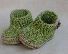 CROCHET PATTERN for Baby Sea Style booties by crochetbabypattern