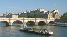 About Paris guide and tips for visitors