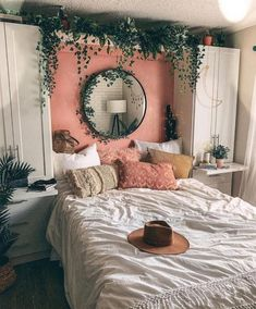44 Elegant Boho Bedroom Decor Ideas for Small Apartment Small Bedroom Ideas Apartment Bedroom Boho Decor Elegant Ideas Small Cute Room Decor, Boho Bedroom Decor, Home Bedroom, Living Room Decor, Bedroom Inspo, Hippy Bedroom, Bedroom Mirrors, Bohemian Room Decor, Modern Bedroom