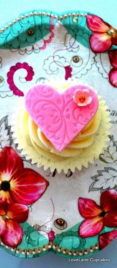 lovely heart cupcake