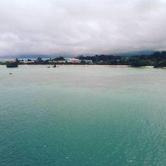 古宇利大橋から海を撮影した1枚です。 生憎の曇り空ですがどうにか透明度は伝わるかな? #古宇利島 #古宇利大橋  (古宇利大橋)