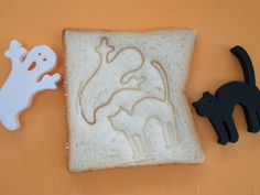 Two bread stamps to add fun for our halloween. no need for support when printing I made these for my kids and we did have a lot of fun using them.