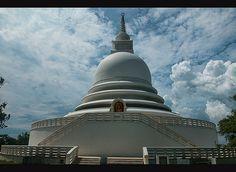 Japanese Peace Pagoda near Galle and Unawatuna in Sri Lanka (www.secretlanka.com)