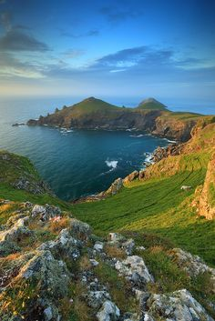 Angleterre // The Rumps Point, Cornwall - England Places Around The World, The Places Youll Go, Places To See, Around The Worlds, Travel Photographie, Voyage Europe, England And Scotland, English Countryside, Great Britain