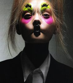 """expecttheunexpectedtoday: """"expecttheunexpectedtoday Gemma Ward photographed by Mario Sorrenti for Vogue Italia, July 2006 """" Clown Suit, Gemma Ward, Youth Subcultures, Mario Sorrenti, Adventures In Wonderland, Rock Music, Amazing Art, Body Art, Cool Hairstyles"""