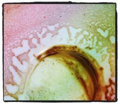 Pattern in an empty cup