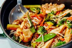 Easy One-Pot Chicken Teriyaki with Vegetables and Rice