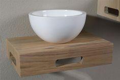 Fonteintje voor kleine badkamer of toilet met houten wastafelblad en opzetkom van Luca Wood #lucawood #lucasanitair #fontein #badkamer #badkamermeubel