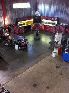 Motorcycle shop set up. DOOOOLING <3 *(MAKING HOMER SIMPSON NOISES)*