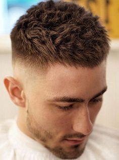 15 Cool Short Haircuts for Men 15 coupes de cheveux courts cool pour les hommes Mens Haircuts Short Hair, Mens Messy Hairstyles, Haircuts For Balding Men, Short Spiky Hairstyles, Undercut Hairstyles, Cool Haircuts, Short Hair Cuts, Short Hair Styles, Very Short Hair Men