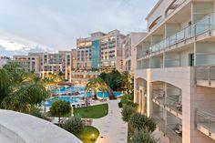 JESENJA PROMOCIJA U HOTELU SPLENDID Iskoristite jesen na najbolji način! Boravite u luksuznom hotelu Splendid Conference & Spa Resort uz najpovoljnije cijene. Dvokrevetna soba: 92€ (radnim danima) / 108€ (vikend) Ponuda važi od 09. oktobra do 28. decembra 2016. Detaljnije na: http://www.montenegrostars.com/index.php/me/spec-ponude-mne   AUTUMN PROMO IN HOTEL SPLENDID! Get the most of this autumn! Stay in our luxurious Splendid Conference & Spa Resort at special prices: Double room: €92 (