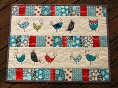 patchwork birds For a cot quilt Small Quilts, Mini Quilts, Baby Quilts, Children's Quilts, Patch Quilt, Applique Quilts, Quilt Blocks, Quilting Projects, Quilting Designs