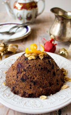 Enjoy this low carb Christmas pudding as the crowning glory of your festive meal. It's sugar free, gluten free and suitable for diabetics. Even better, it's ready in just over 10 minutes! Keto Pudding, Avocado Pudding, Chia Pudding, Delicious Cake Recipes, Yummy Cakes, Sweet Recipes, Dessert Recipes, Easy Recipes, Keto Desserts