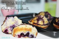 Fruity Egg Muffins 3 ingredients - SYN free and slimming world friendly Banana Baby Food, Banana And Egg, Banana Fruit, Egg Muffins, Breakfast Muffins, Baby Food Recipes, Cooking Recipes, Toddler Recipes, Gf Recipes