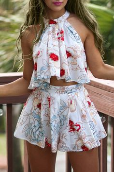 Yoins - Floral Print Sleeveless Crop Top and Skort Co-ord. Casual Outfits, Cute Outfits, Teen Fashion, Womens Fashion, Moda Fashion, Crop Top And Shorts, Pleated Shorts, Sleeveless Crop Top, Two Piece Outfit
